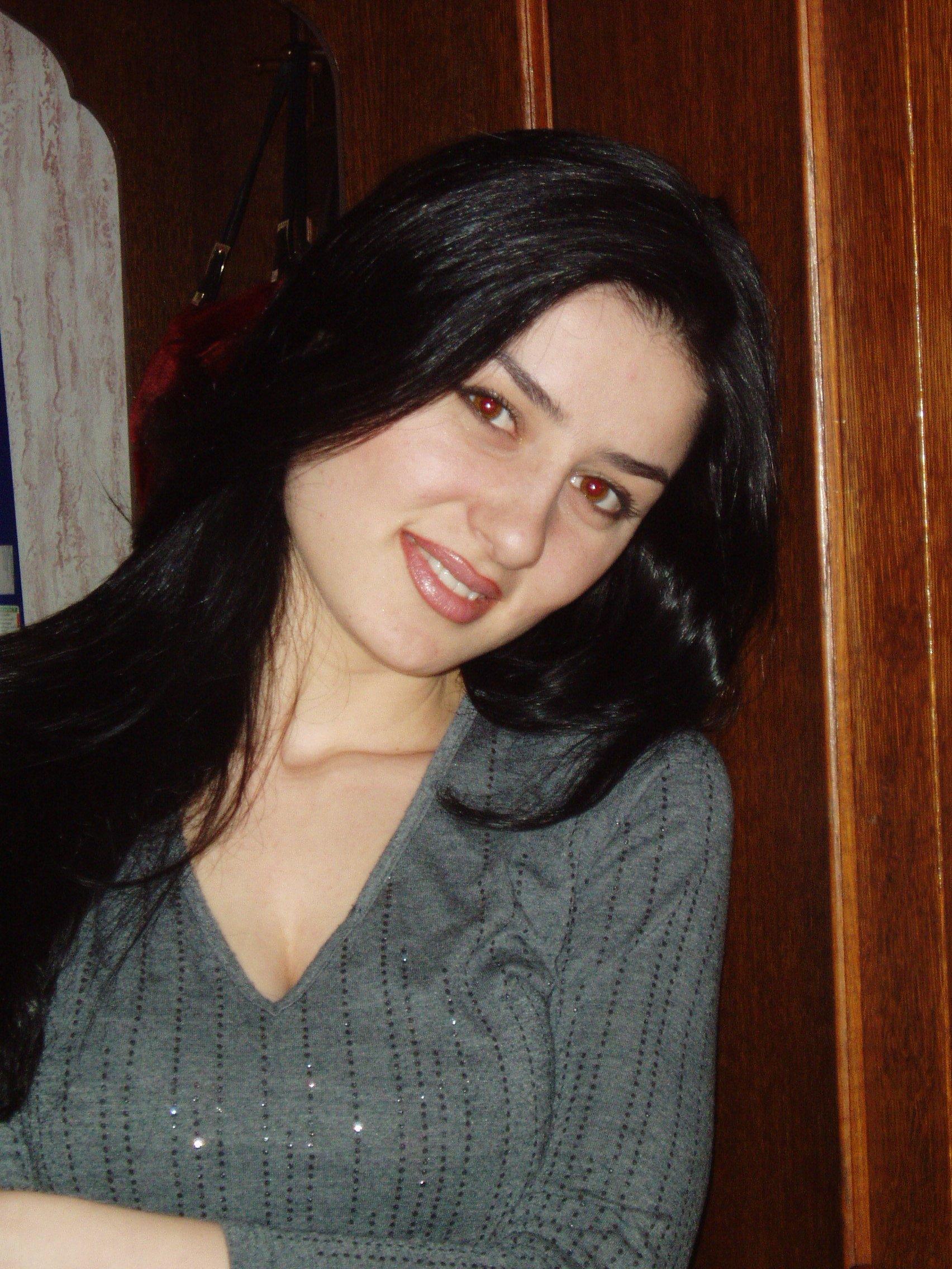 Фото девушек кавказских 12 фотография